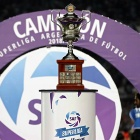 El trofeo de la Superliga
