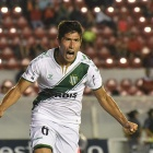 Lollo festeja su gol ante Independiente