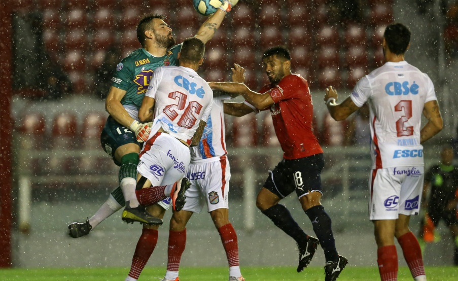 Independiente vs. Arsenal Fecha 20 Superliga(Fotobaires)