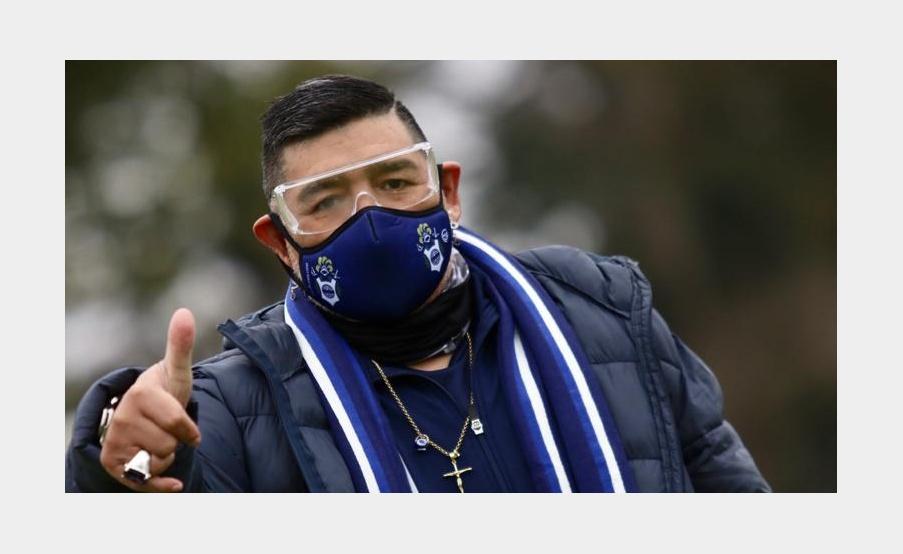 Maradona apareció en el entrenamiento de Gimnasia por primera vez.(Prensa Gimnasia)