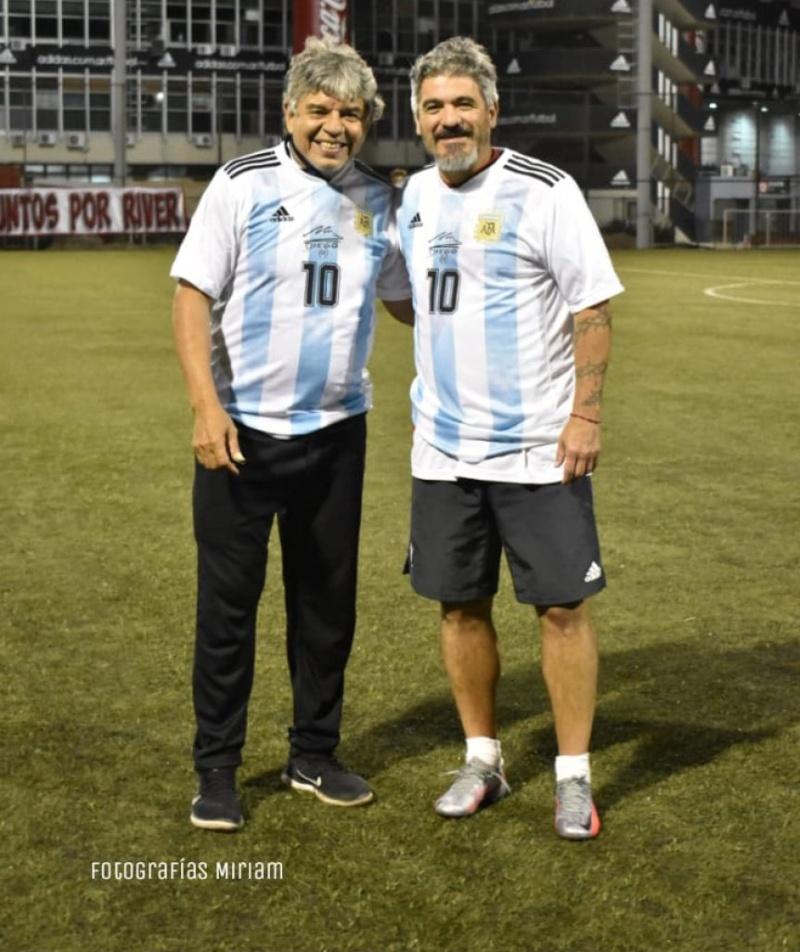 Burrito Ortega y Máximo Gallardo homenajearon a Diego Maradona